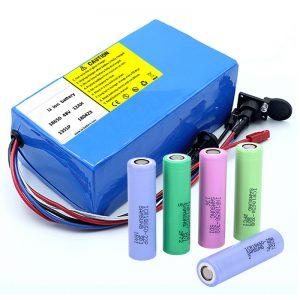 Litiumparisto 18650 48V 12AH 48V 500W sähköpyöräakku BMS: llä