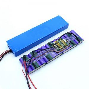 Tehtaan hinta räätälöity 18650 36 voltin akku 36 V: n litiumioniakku