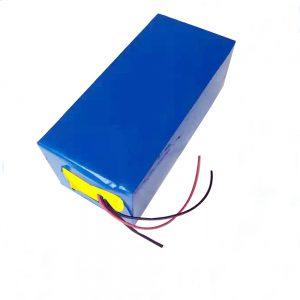 LiFePO4 ladattava akku 10Ah 12V litiumrautafosfaattiakku kevyille / UPS / sähkötyökaluille / purjelentokone / pilkkiminen