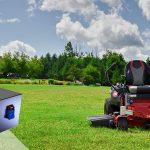KAIKKI YHDESSÄ ratsastavat nurmikon paristot